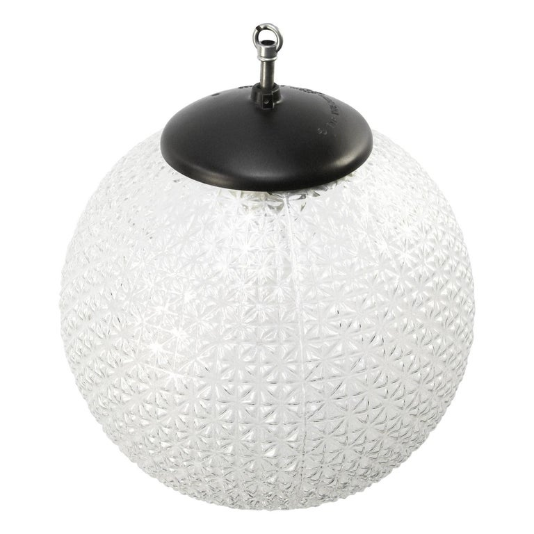 Clear texture globe glass pendant.