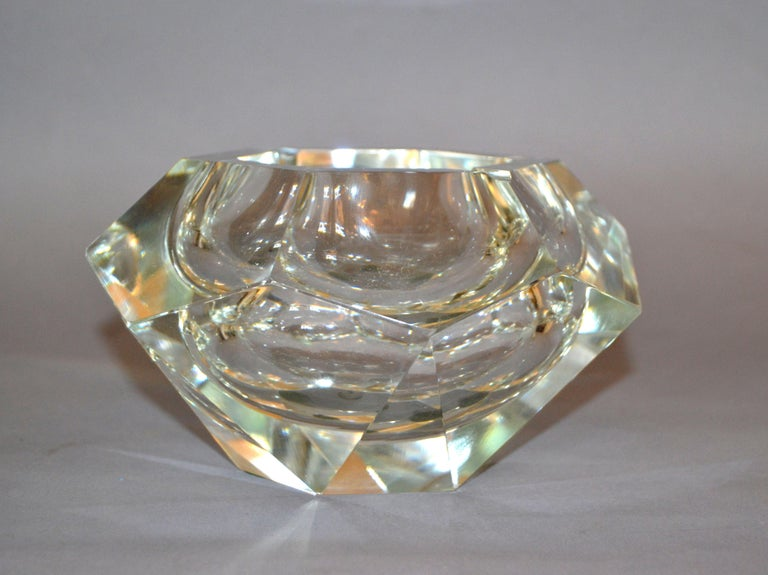 Mid-Century Modern Clear Multi Faceted Murano Glass Ashtray, Bowl Attributed to Flavio Poli, Italy For Sale