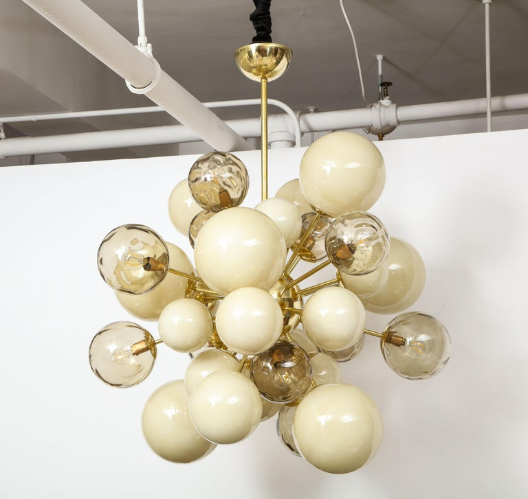 Contemporary Clear Smoked and Opaque Ivory Murano Glass and Brass Sputnik Chandelier, Italy For Sale