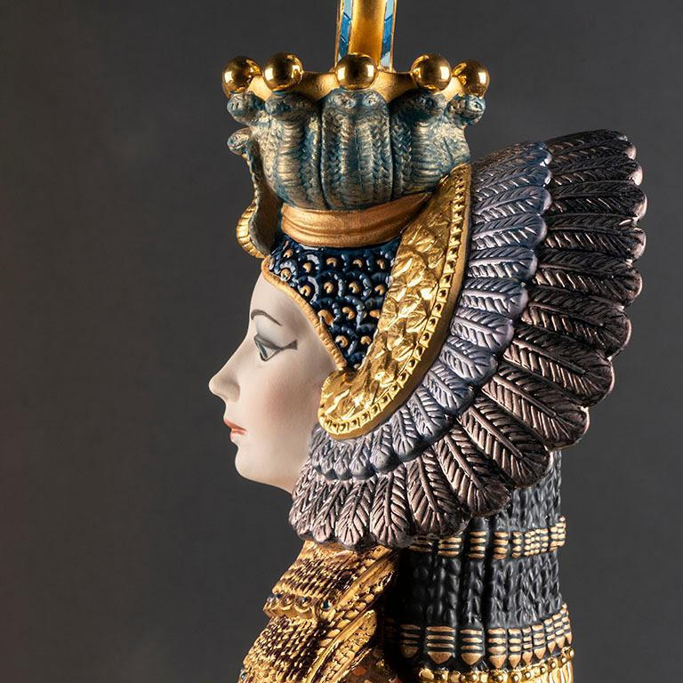 Cleopatra, the most famous queen of ancient Egypt, is represented in this masterful limited edition in High Porcelain.  This exclusive high porcelain piece, made in matte porcelain, is a limited edition of 500 units. Worth underscoring is the