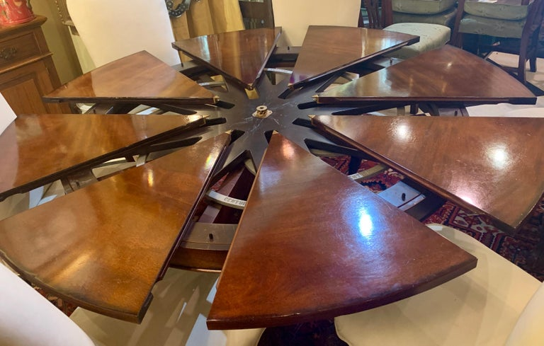 Clever Oscar de la Renta Jupe Movement Expansion Round Dining Table and 8 Chairs In Good Condition In Tustin, CA