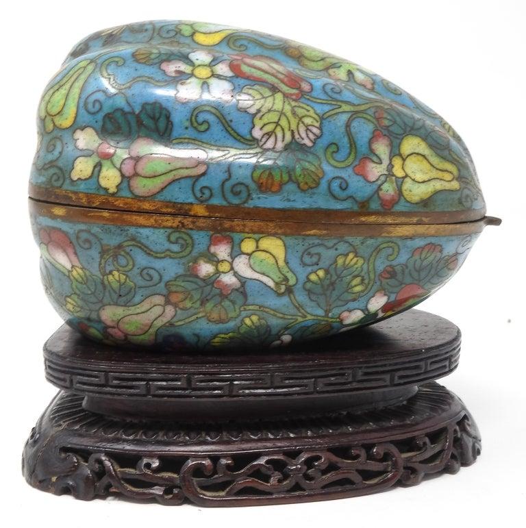 Cloisonné Artichoke Decorative Trinket Box In Fair Condition For Sale In Cookeville, TN