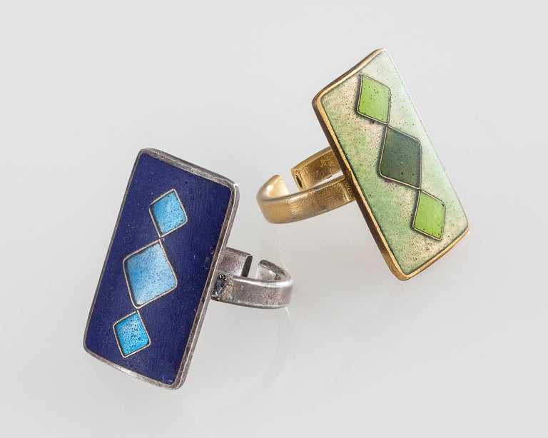 Cloisonné enamel soft rectangle ring with green diamonds on a gold/green background. Designed by Sigfrid Gothstein for Feuermaille, Germany, 1959.