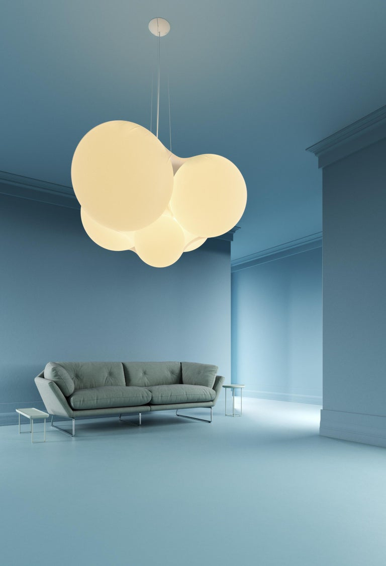 Cloudy Modern Italian High Performance LED Pendant Cluster with Organic Form In New Condition For Sale In Danbury, CT