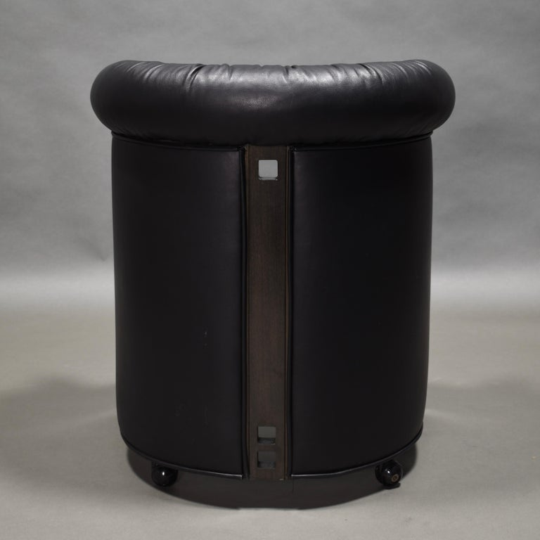 Club Chair in Leather and Ebony by Umberto Asnago for Giorgetti, Italy, 1980s For Sale 1