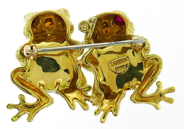 Women's or Men's Clunn Yellow Gold Frog Pin Brooch Clip with Pearl and Ruby