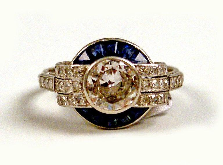 Women's Cluster Ring Art Deco Platinum Diamonds 1.60 Carat Sapphires France, circa 1925 For Sale