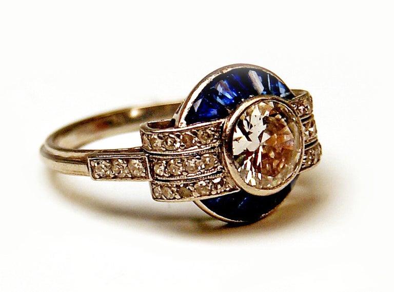Cluster Ring Art Deco Platinum Diamonds 1.60 Carat Sapphires France, circa 1925 For Sale 1