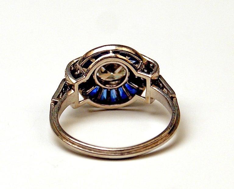 Cluster Ring Art Deco Platinum Diamonds 1.60 Carat Sapphires France, circa 1925 For Sale 2
