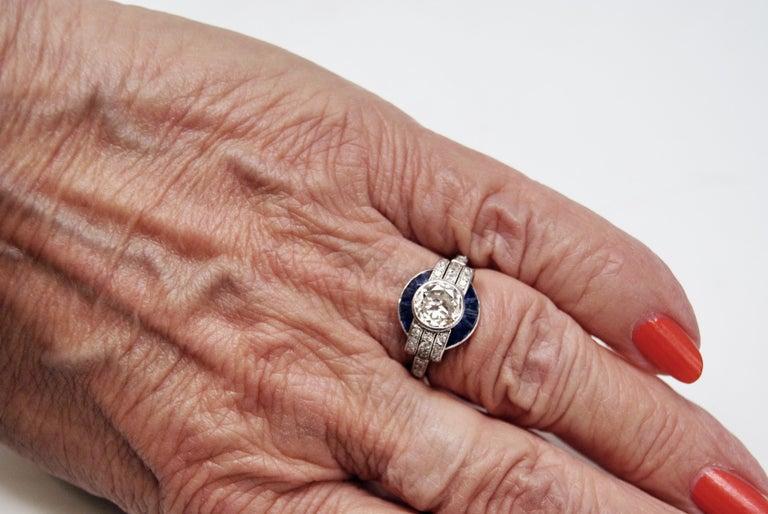 Cluster Ring Art Deco Platinum Diamonds 1.60 Carat Sapphires France, circa 1925 For Sale 3