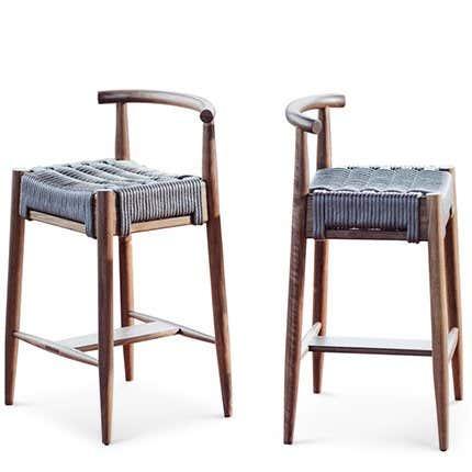 """Moderner handgefertigter """"Harbor""""-Hocker aus Nussbaum und Seilgeflecht mit Rückenlehne"""