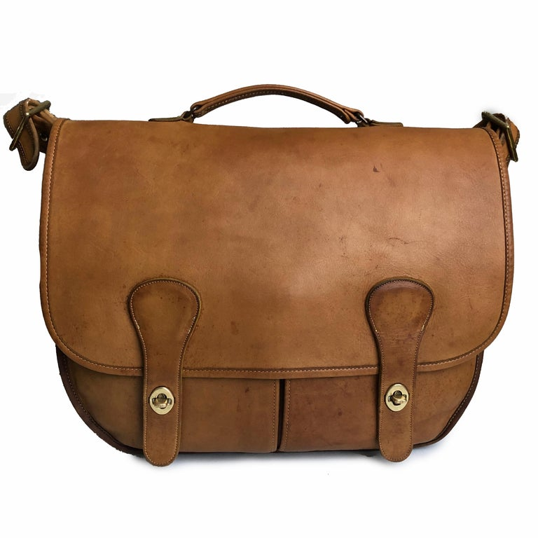 Coach Swag Bag Bonnie Cashin Large Leather Messenger Vintage 60s NYC Bag Rare  In Good Condition For Sale In Port Saint Lucie, FL