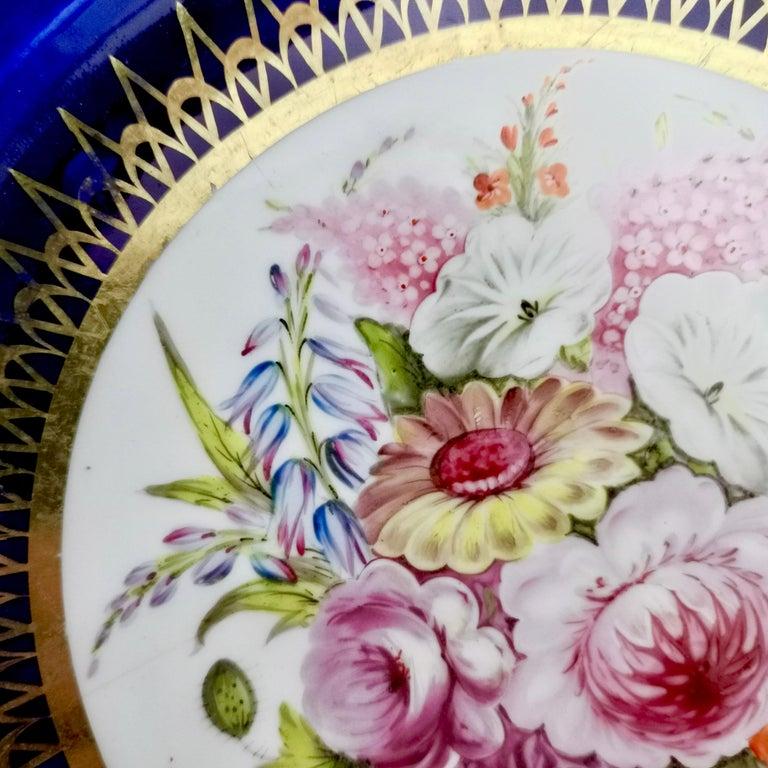Coalport John Rose Porcelain Plate, Cobalt Blue and Flowers, Regency 1805-1810 In Good Condition For Sale In London, GB