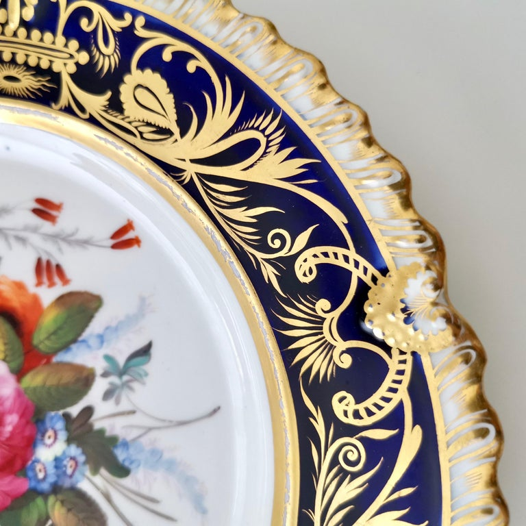 Coalport Porcelain Plate, Cobalt Blue and Spectacular Flowers, Regency 1820-1825 In Good Condition For Sale In London, GB