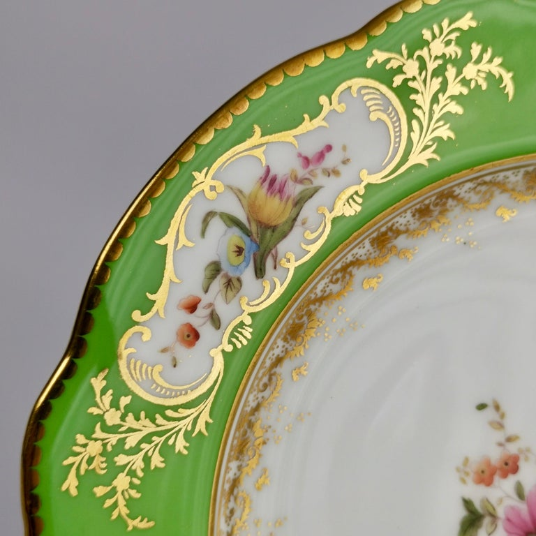 Coalport Porcelain Plate, Green with Sèvres Style Flowers and Gilt, 1882 In Good Condition For Sale In London, GB