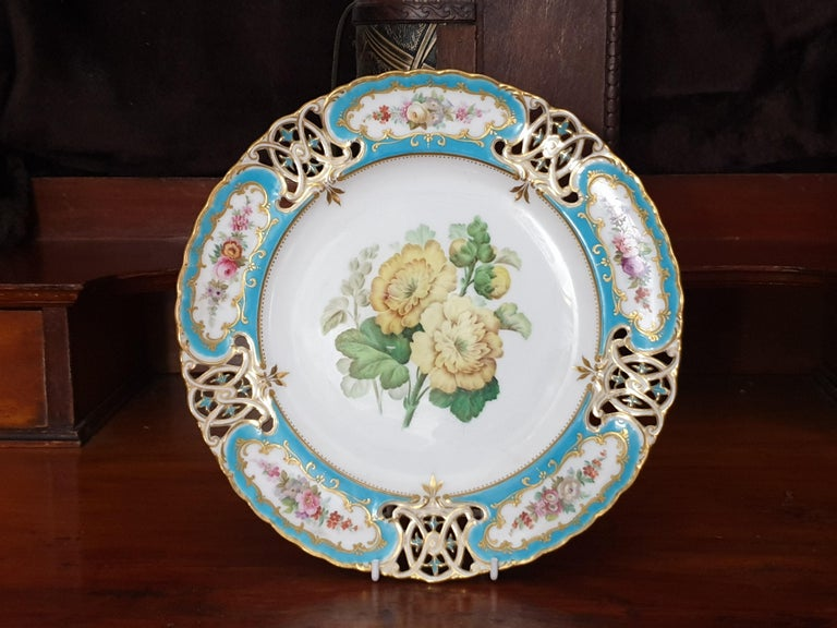 English Minton Reticulated Royal Arms Botanical Turquoise Dessert Service For Sale 4