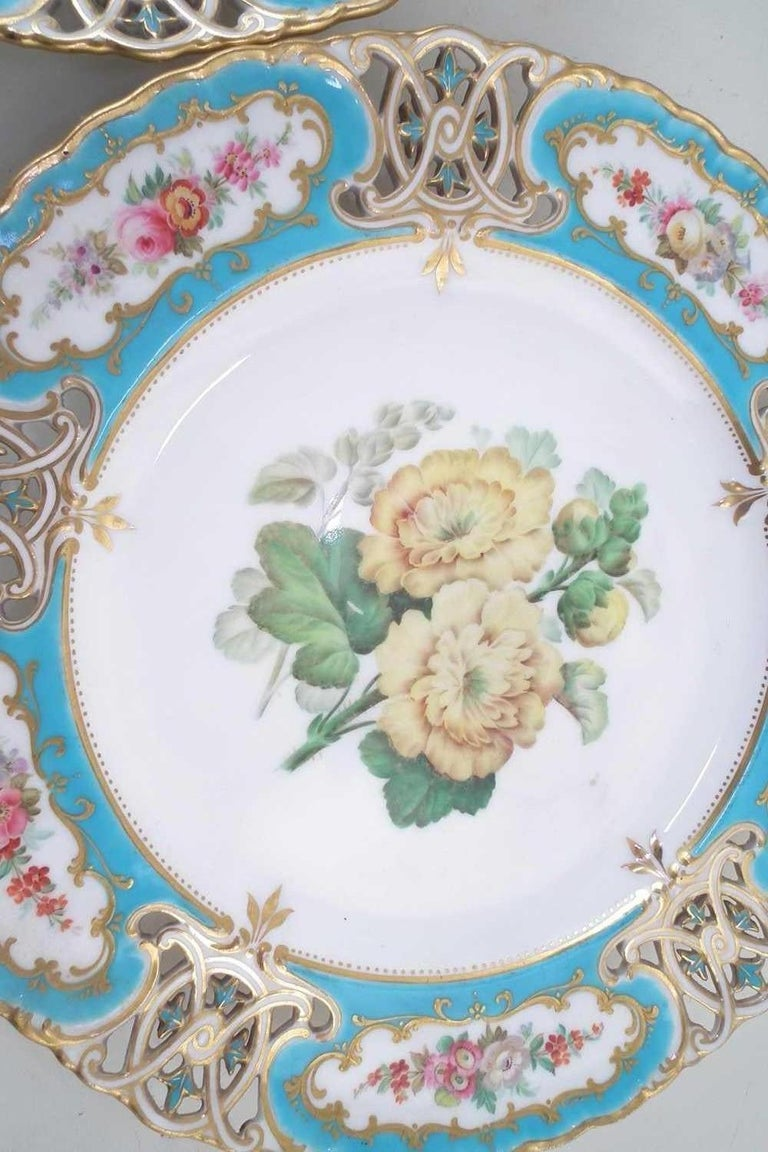 English Minton Reticulated Royal Arms Botanical Turquoise Dessert Service In Good Condition For Sale In London, GB