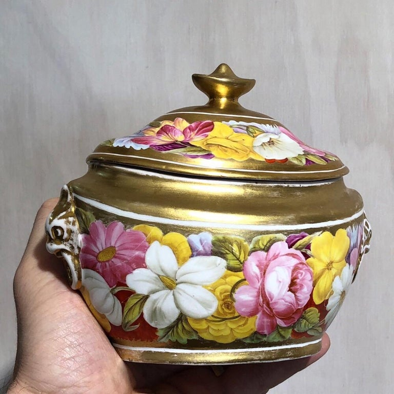 Coalport Sucrier and Matching Teapot Stand, Baxter Decorated, circa 1815 For Sale 4
