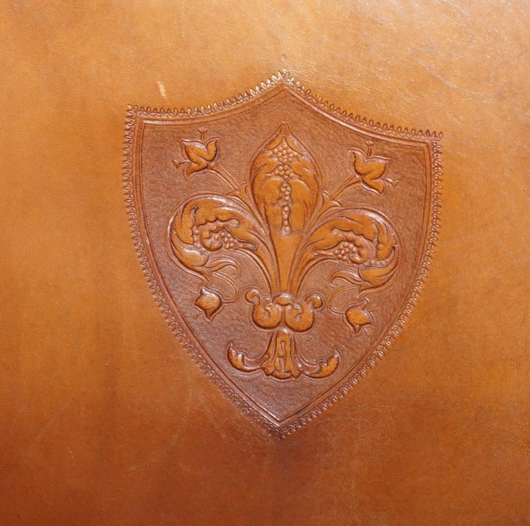 Coat of Arms Armorial Crest Edwardian Oak & Brown Leather Smart Club Armchairs For Sale 11
