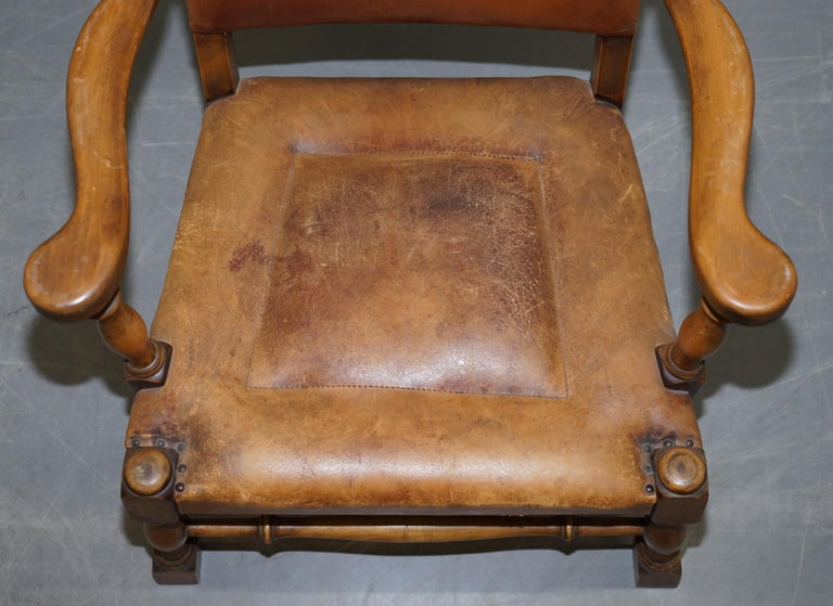 Coat of Arms Armorial Crest Edwardian Oak & Brown Leather Smart Club Armchairs For Sale 12