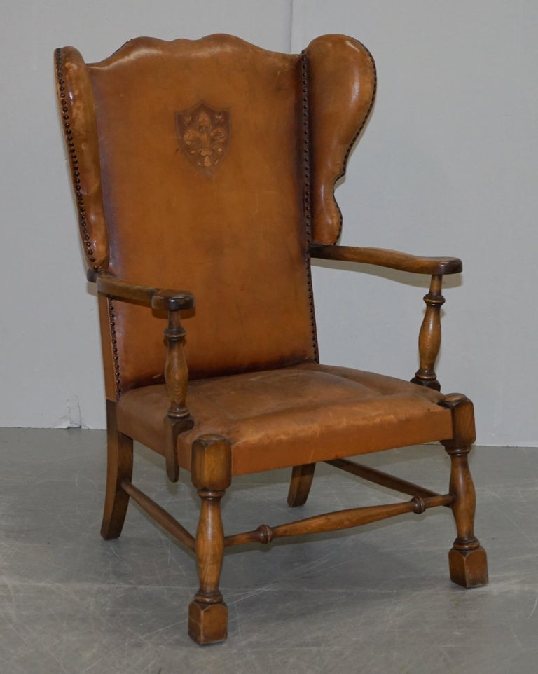 Coat of Arms Armorial Crest Edwardian Oak and Brown Leather Wingback Armchairs For Sale 7