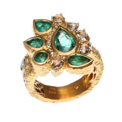 Cocktail Emerald Ring with 0.93-carat Diamonds in 20K Yellow Gold