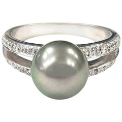 Cocktail Ring with Tahitian Pearl, White Diamonds in 18 Karat Gold