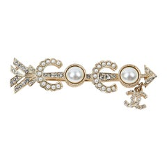 Coco Chanel Pin Brooch in Gilt Metal CC Logo Pearl & Strass
