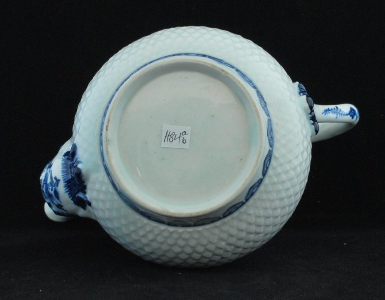 Coffee Pot, Bow Porcelain Factory, circa 1767 In Good Condition For Sale In Melbourne, AU
