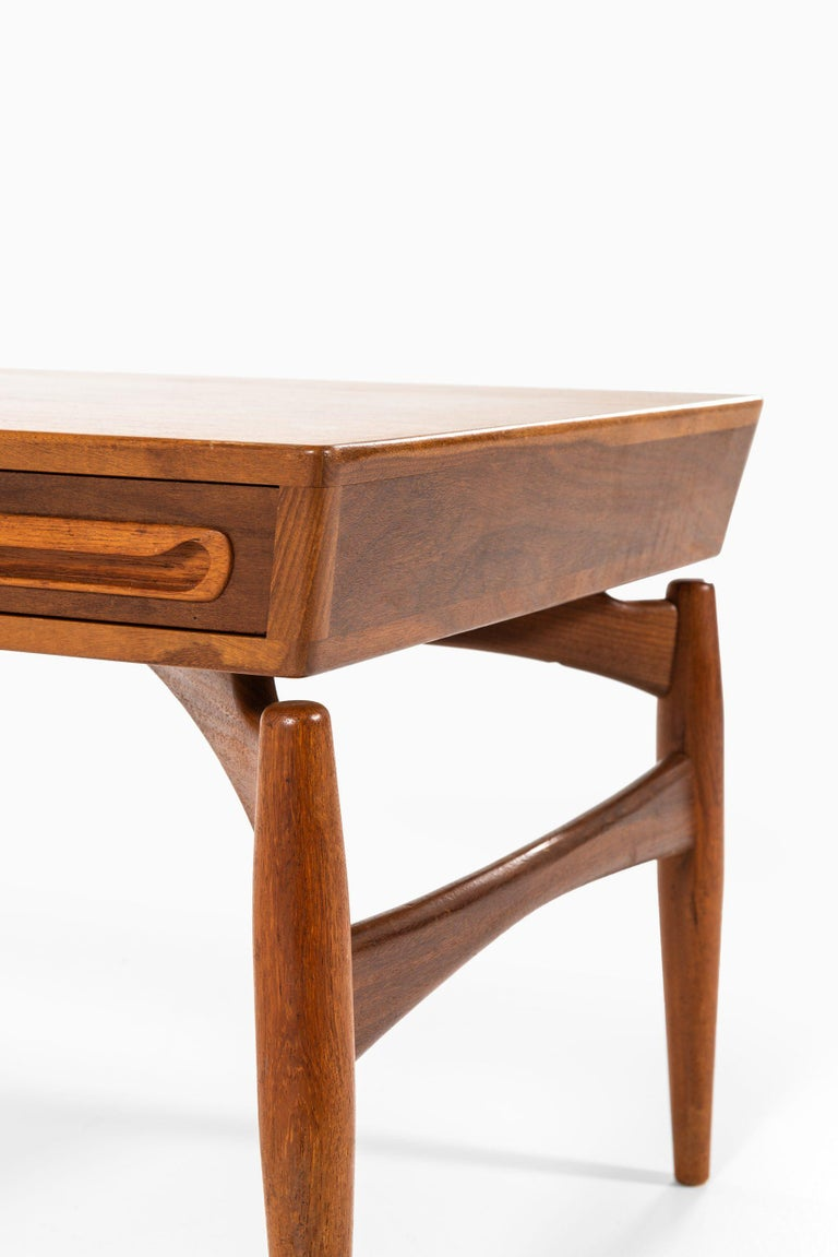 Mid-20th Century Coffee Table Attributed to Johannes Andersen by Trensum Möbelfabrik in Sweden For Sale