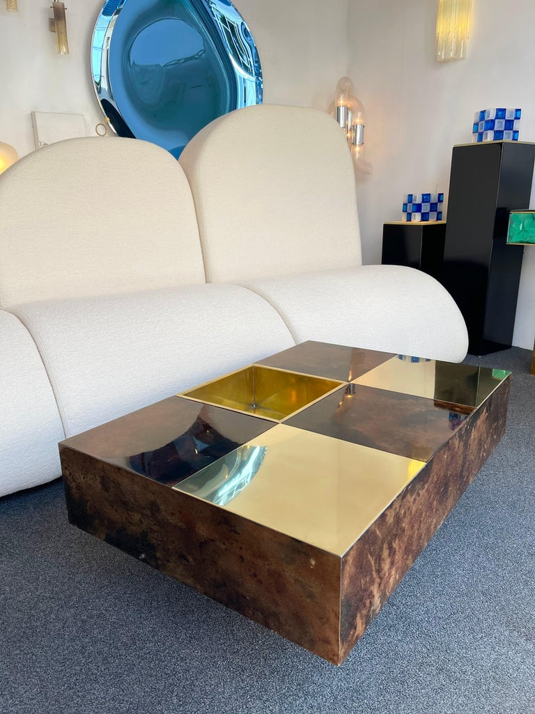 Coffee Table Bar Lacquered Goatskin and Brass by Aldo Tura, Italy, 1970s For Sale 4