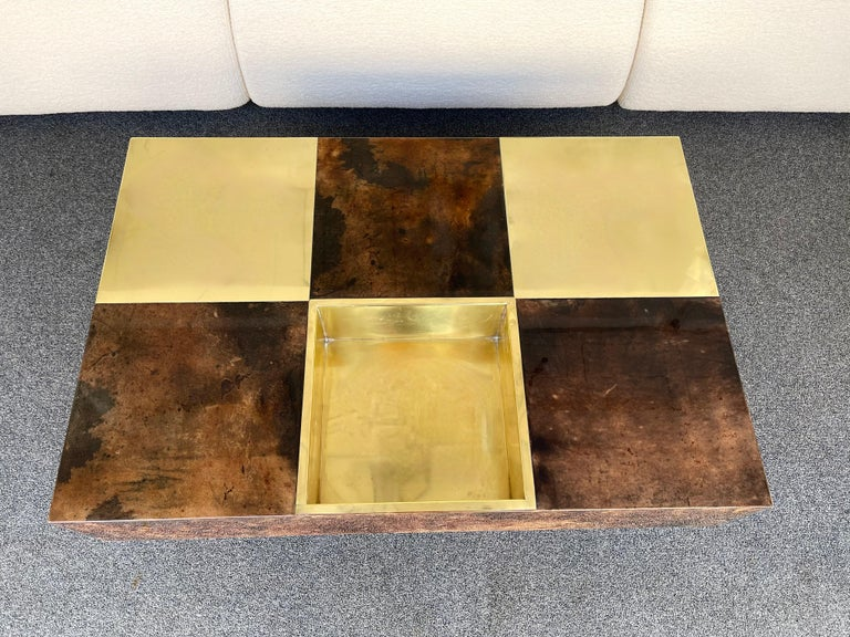 Coffee Table Bar Lacquered Goatskin and Brass by Aldo Tura, Italy, 1970s For Sale 5