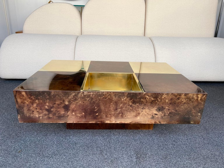 Mid-Century Modern Coffee Table Bar Lacquered Goatskin and Brass by Aldo Tura, Italy, 1970s For Sale