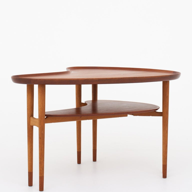 Scandinavian Modern Coffee Table by Arne Vodder For Sale