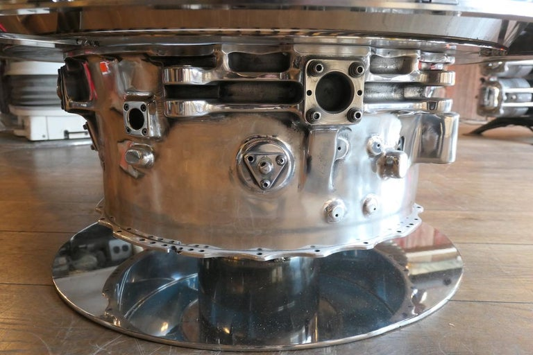 Coffee Table Genuine Part of a CFM-56 Aircraft Reactor In Fair Condition For Sale In saint ouen, FR