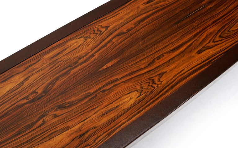 Mid-Century Modern Coffee Table in Rosewood and Mahogany by Edward Wormley for Dunbar, Signed For Sale