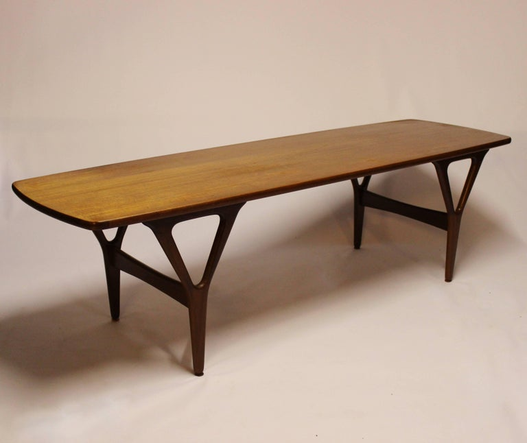 Coffee table in teak of Danish design from the 1960s. The table is in great vintage condition.
