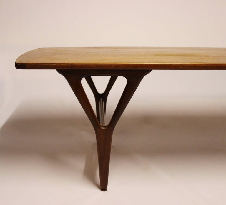 Coffee Table in Teak of Danish Design from the 1960s In Good Condition For Sale In Lejre, DK