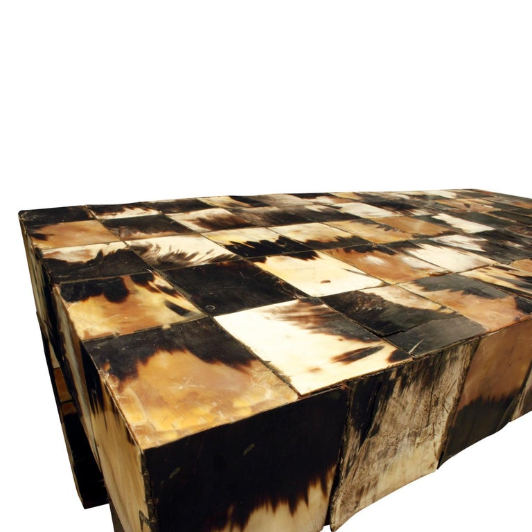 Coffee Table in Tessellated Horn, 1970s In Excellent Condition For Sale In New York, NY