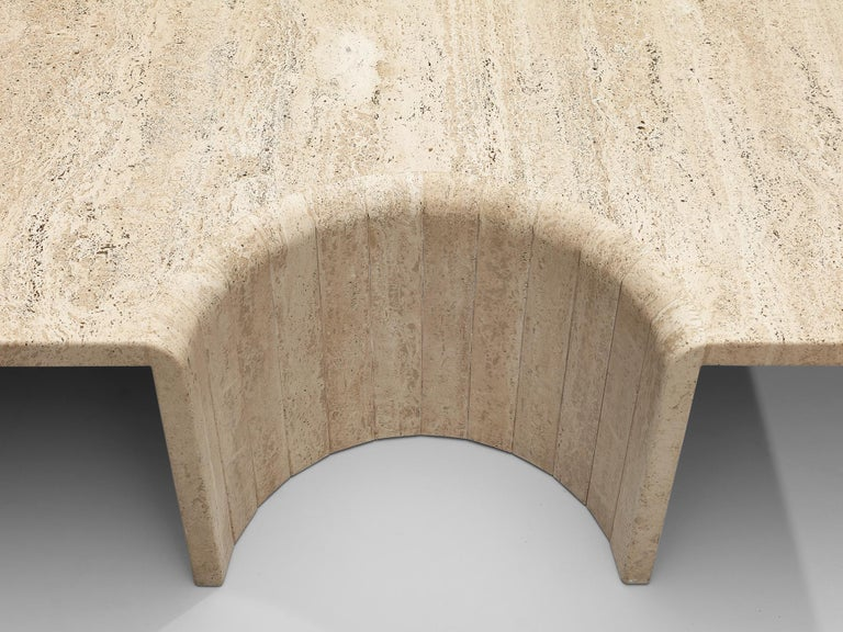 Coffee Table in Travertine For Sale 2