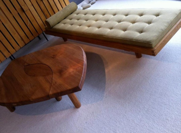 Coffee Table Model 'T 22 S' French Solid Elm, 1965 For Sale 1