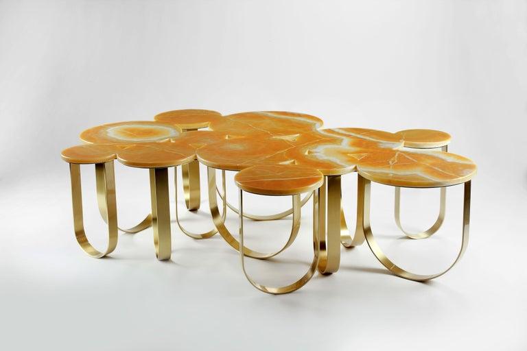 Coffee Table Modern Orange Onyx Brass Circular Italian Design In New Condition For Sale In Ancona, Marche