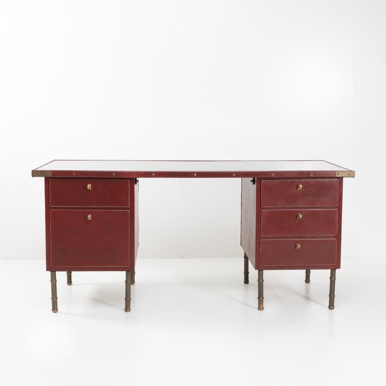 Mid-Century Modern Coffered Desk with Its Matching Chair in the Shape of a Horse Saddle For Sale