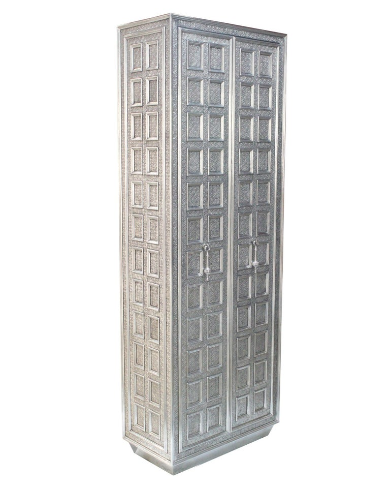 Coffre Armoire In New Condition For Sale In New York, NY