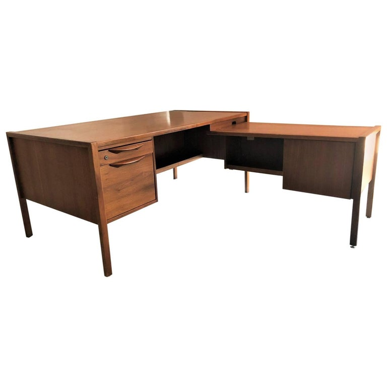 Collaged Mid-Century Modern L-Shaped Black Lacquered Desk by Jens Risom For Sale 5
