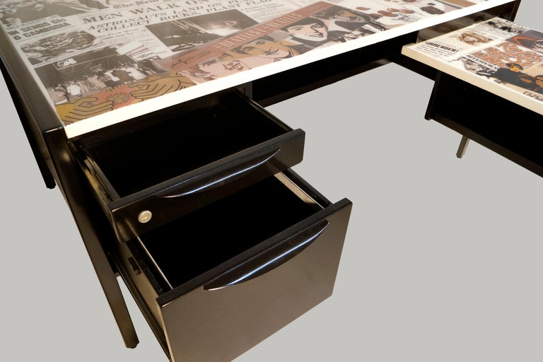 Mid-20th Century Collaged Mid-Century Modern L-Shaped Black Lacquered Desk by Jens Risom For Sale