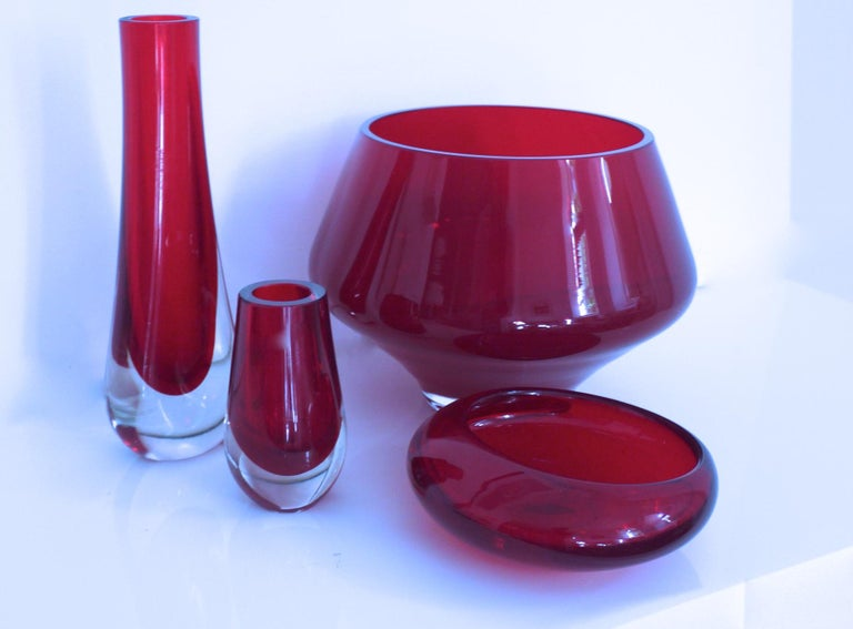 Art Glass Collection, Late 1950s Geoffrey Baxter Whitefriars and Almo Okkoin Riihimaen For Sale