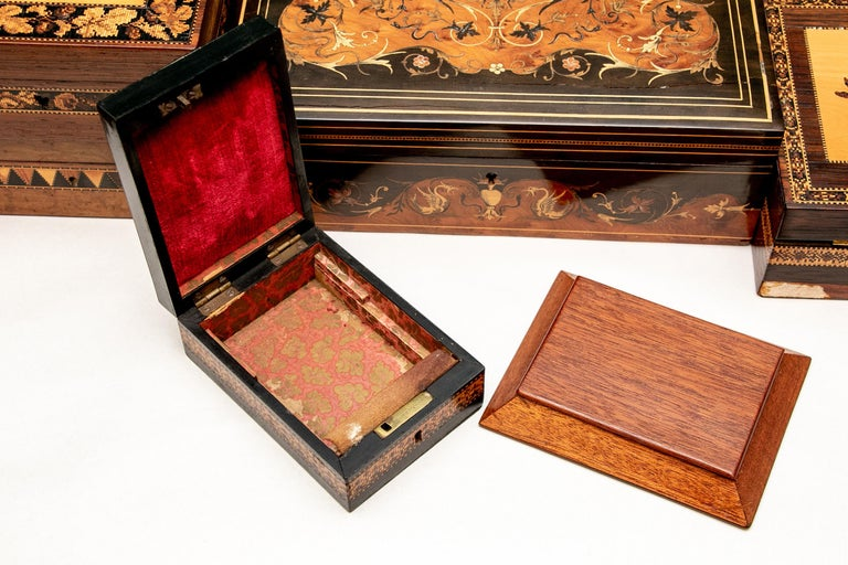 Collection of 20 Antique Turnbridge Wells Inlaid Wood Boxes & Accessories For Sale 8