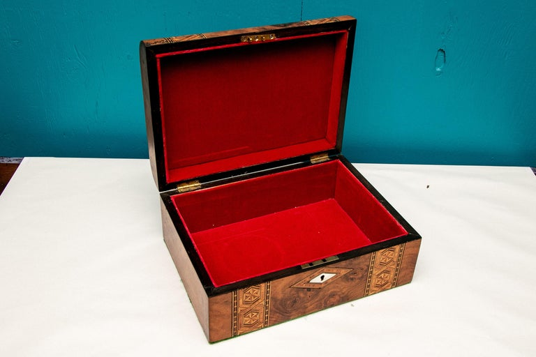 Collection of 20 Antique Turnbridge Wells Inlaid Wood Boxes & Accessories In Good Condition For Sale In Bridgeport, CT