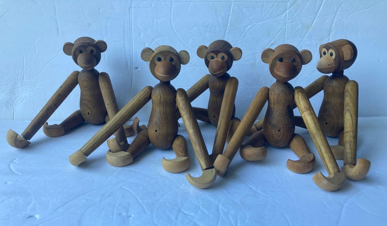 Hand-Crafted Collection of 5 Articulated Wooden Monkeys/Toys/Sculptures in Style of Bojesen For Sale